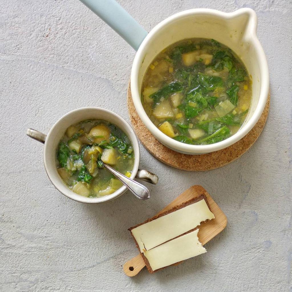 Meer groente eten als gezin? Met elke dag een weggooigroentesoep uit eigen groentela sla je twee vliegen in een klap: minder foodwaste en meer groente eten!