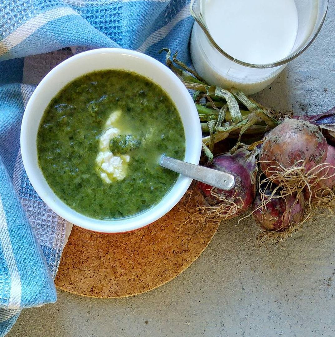 weggooigroentesoep met verlepte spinazie en rimpelige piepers