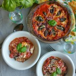 Gegrilde aubergine met tomaat, kaas en basilicum uit de oven, à la Sophia Loren; dat klinkt als comfort food - en dat ís het ook! En het is nog gezond ook, want deze lasagna maak je met plakken gegrilde aubergine i.p.v van lasagnevellen. Zo kom je wel aan je 200 gram groenten per dag :-)