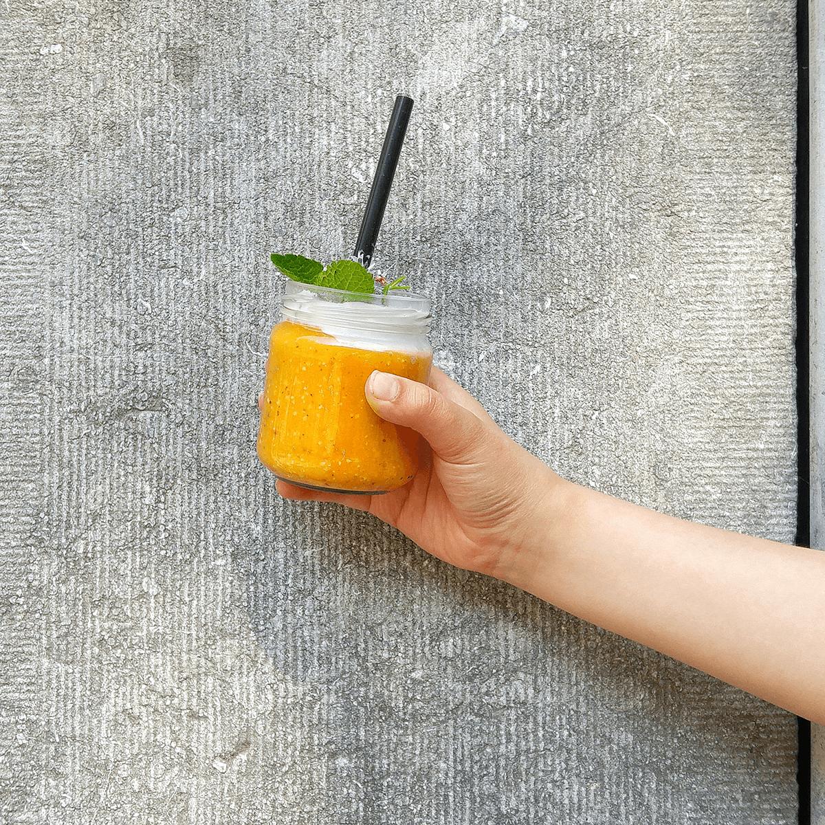 mangosoep-met-sinaasappel-kokosroom-fruitsoep-soephoofd